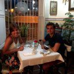 Cenando en Sol Ananda